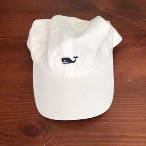 White Vineyard Vines hat